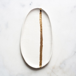 gold-stripe-burlap-tray